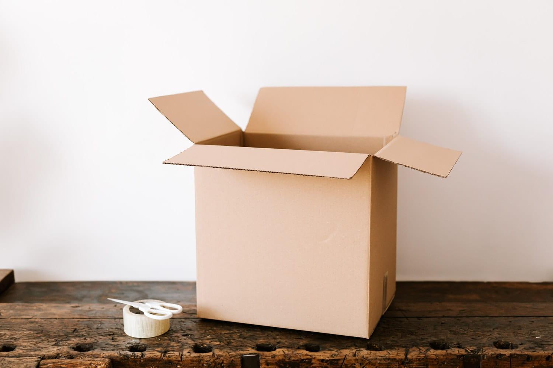 come preparare un pacco da spedire confezione personalizzata