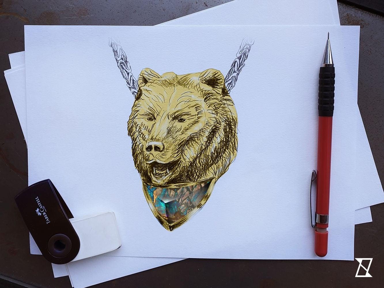 Projekt naszyjnika z niedźwiedziem.